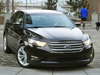 Ford Taurus photo